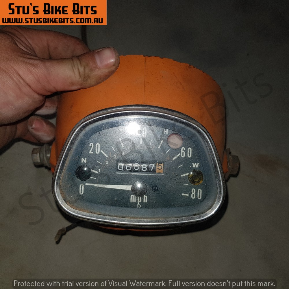 CT90 K3 - Speedometer + headlight bucket