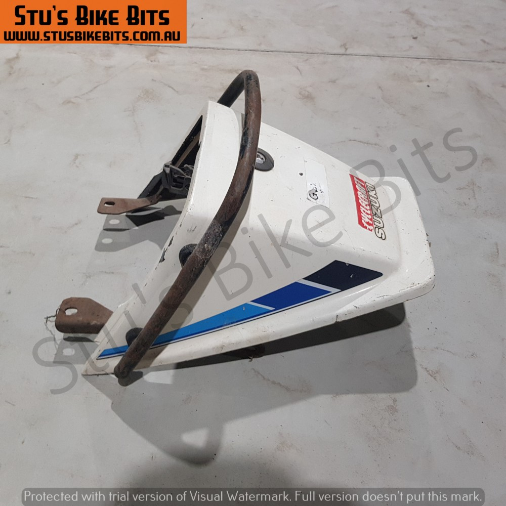 GSX250 - Rear ducktail fairing with grab handle WHITE
