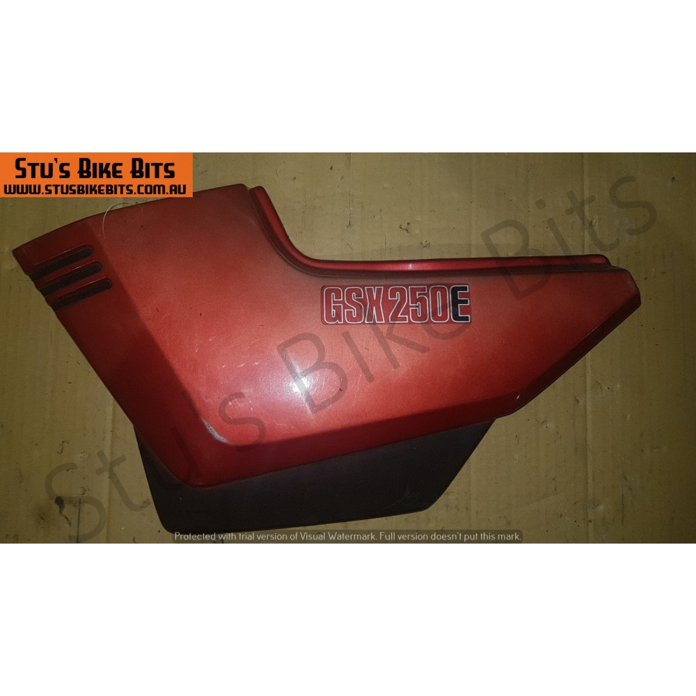 GSX250E - LH Side Cover RED