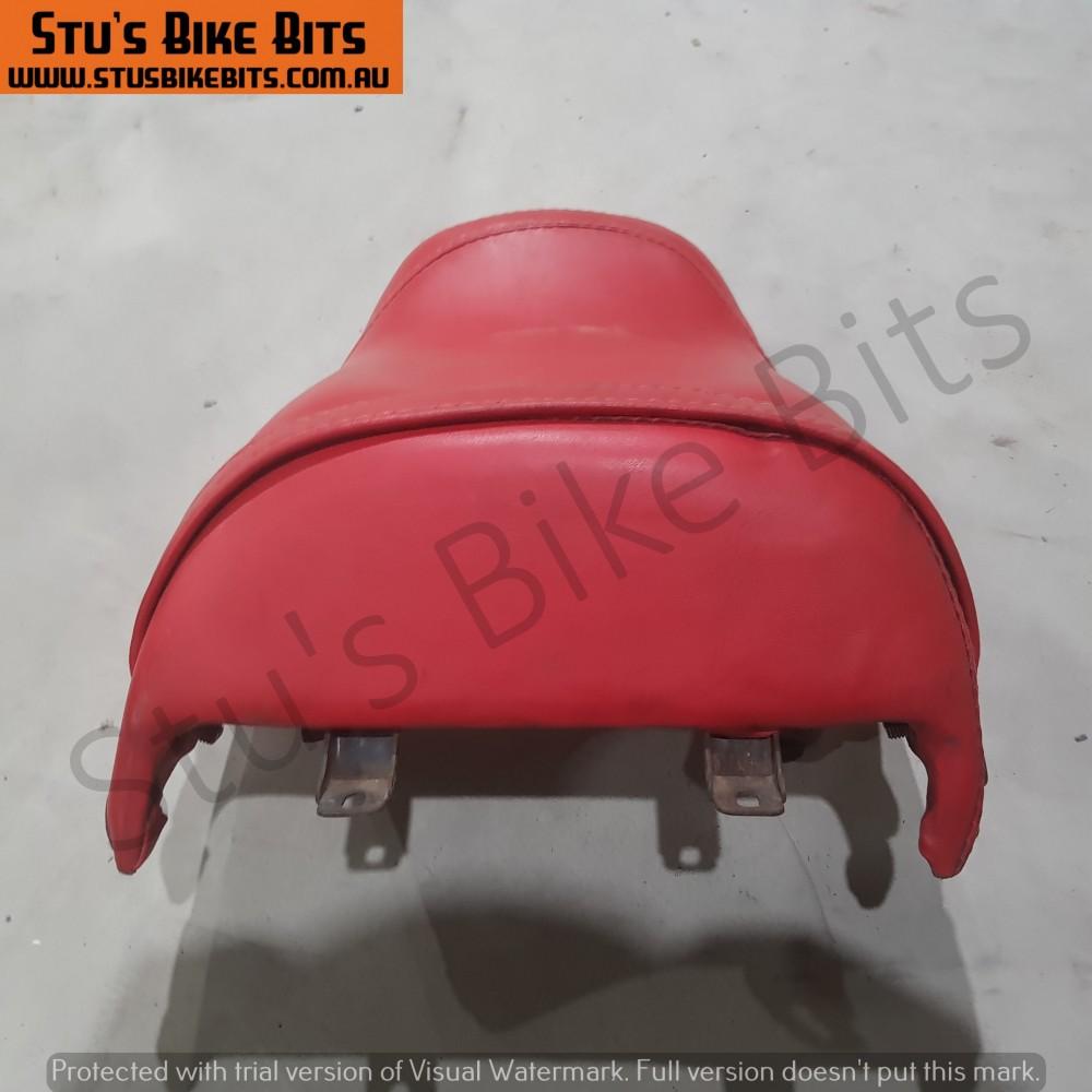 RG250 - Pillion Passenger Seat Red
