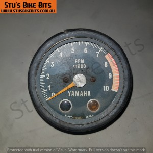RD/DT - Tachometer damaged missing face cover